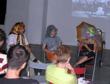 Prezentacija Biroa Beograd u Magacinu, 27.6.07.
